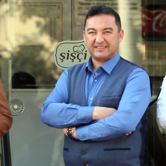 Cüneyt Rasat Restoran Müdürü